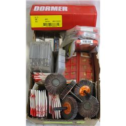 LOT OF ASSORTED DRILL BITS SANDING FLAT DISK AND