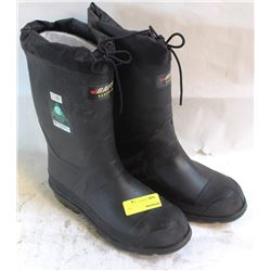 SIZE 8 INSULATED BAFFIN STEEL TOE RUBBER BOOT