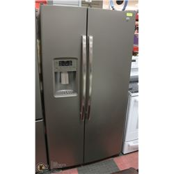 SLATE GREY SIDE BY SIDE REFRIGERATOR/FREEZER WITH