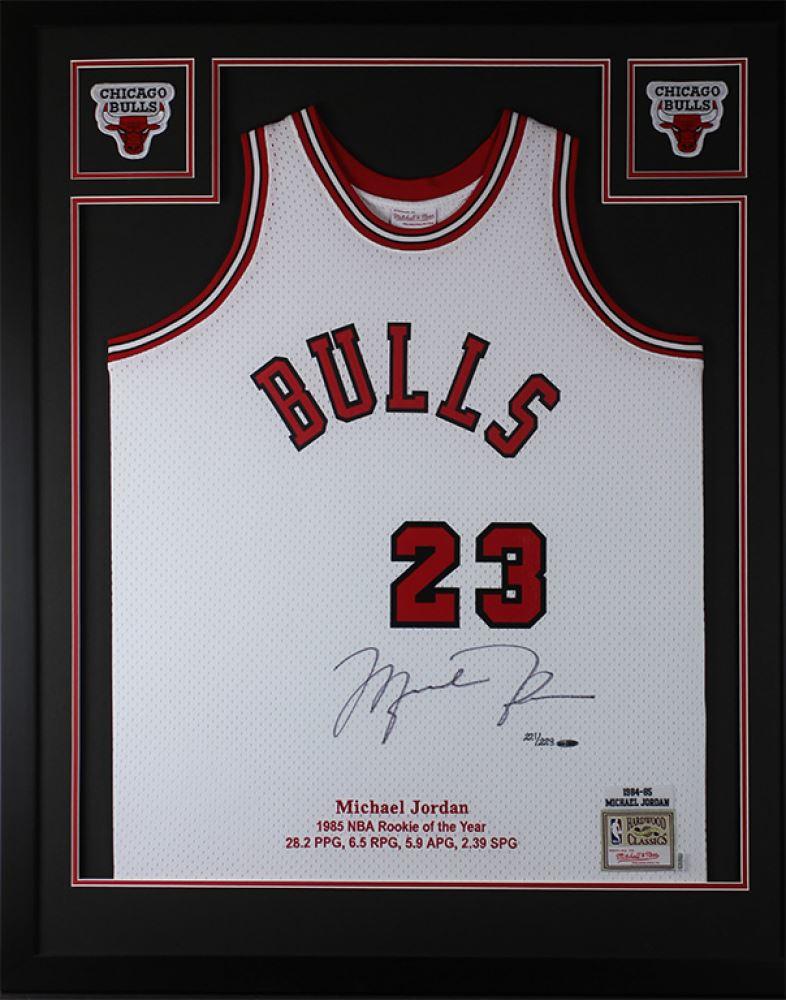 891175e87836d Michael Jordan Signed LE Bulls 35x43 Custom Framed Jersey ...