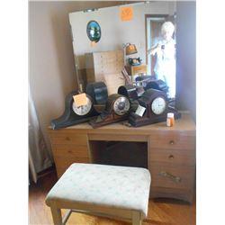 5 Pc Vintage Bedroom Suite