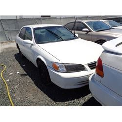 TOYOTA CAMRY 2001 SALV T/DONATION