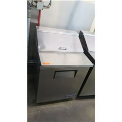 "True TSSU-27-08-HC 27"" Sandwich/Salad Prep Table w/ Refrigerated Base (Pick-up from Mililani)"