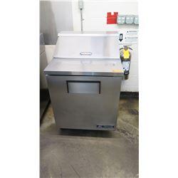 "True TSSU-27-08-HC 27"" Sandwich/Salad Prep Table w/ Refrigerated Base (Pick-up from Mililani)"