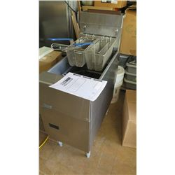 Pitco Fryer With Baskets (Pick-up from Mililani)