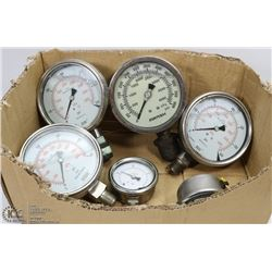 ESTATE LOT OF 6 GAUGES - 4 LARGE FLUID 300-600PSI