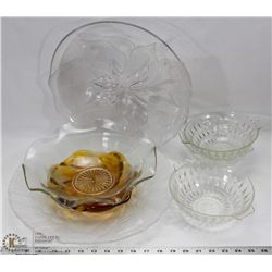 BOX WITH ASSORTED GLASSWARE