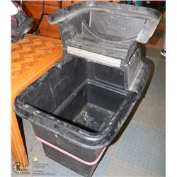 HEAVY DUTY RUBBERMAID GARBAGE BIN WITH LID ON