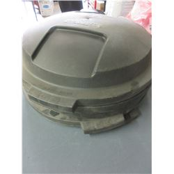 5 Rubbermaid Roughneck LIDS ONLY  / fit 2620 Brute Garbage Cans