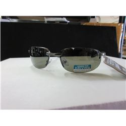 New Foster Grants Sunglasses with Driving Lenses for glare