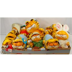 FLAT OF VINTAGE GARFIELD AND FRIENDS STUFFIES