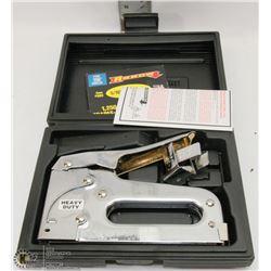 ARROW STAPLE GUN KIT IN CASE