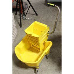 COMMERCIAL RUBBERMAID MOP BUCKETS W/ RINGER