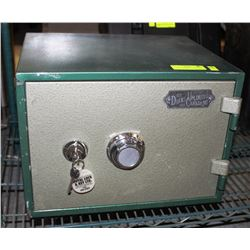 DUCK UNLIMITED SAFE WITH KEY