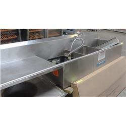 STAINLESS STEEL 3 WELL SINK