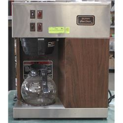BUNN COFFEE MACHINE WITH POT