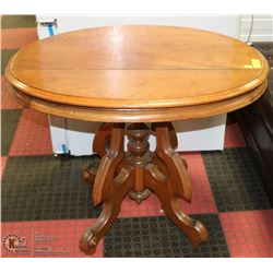 VINTAGE SOLID WOOD END TABLE