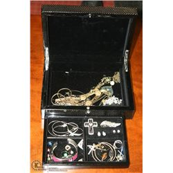 DECORATIVE JEWELLERY BOX W/JEWELLERY