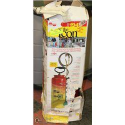 CHAPIN ICON 194 PRESSURE SPRAYER IN ORIGINAL BOX