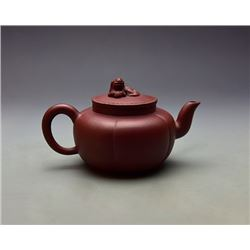 "A Fine Old Gua Leng Shape Yixing Teapot with lion shape knob; ""Gong Chun"" Mark?Gong Chun: life in th"