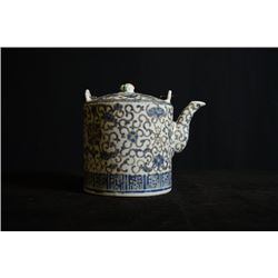 """Early 20th Century, Blue-and-white teapot, outside pattern of """"Flora"""" and """"Shou"""""""