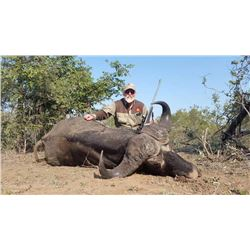 South Africa Cape Buffalo and Sable Antelope for 2 Hunters and 2 Observers - $34,800 / Exhibitor