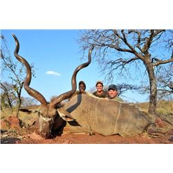 LA 11 - SOUTH AFRICAN PLAINS GAME SAFARI FOR TWO HUNTERS