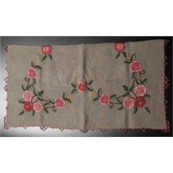 Arts & Crafts tablecloth and runner