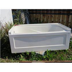 FIBRE GLASS BATH TUB