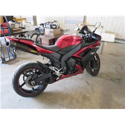 2007 YAMAHA SPORT MOTORCYCLE VIN JYARN20N17A000153, NEEDS SAFETY INSPECTION. W/KEY, AS IS