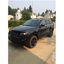 FRIDAY NIGHT! 2015 JEEP GRAND CHEROKEE LAREDO WITH UPGRADED ALTITUDE PACKAGE