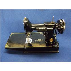 Singer Featherlite Sewing Machine- Extra Fine Condition- Controls- Case- Accessories