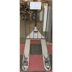 WHITE PALLET JACK CROWN 5000LB CAPACITY WITH