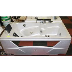 WHITE SINGLE JET TUB MODEL# WK1205
