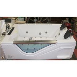 2 PERSON JACUZZI TUB WITH LIFTING TV. 7 SIDE