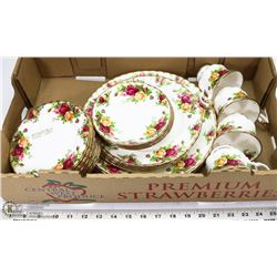 25 PC ROYAL ALBERT CHINA OLD COUNTRY ROSES