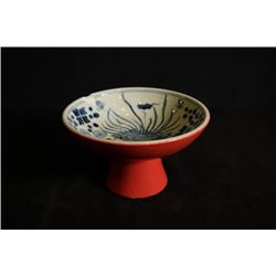 """Da Ming Xuan De Nian Zhi"" mark, red-glazed blue and white with ""Fishes"" pattern tazza, small crack"