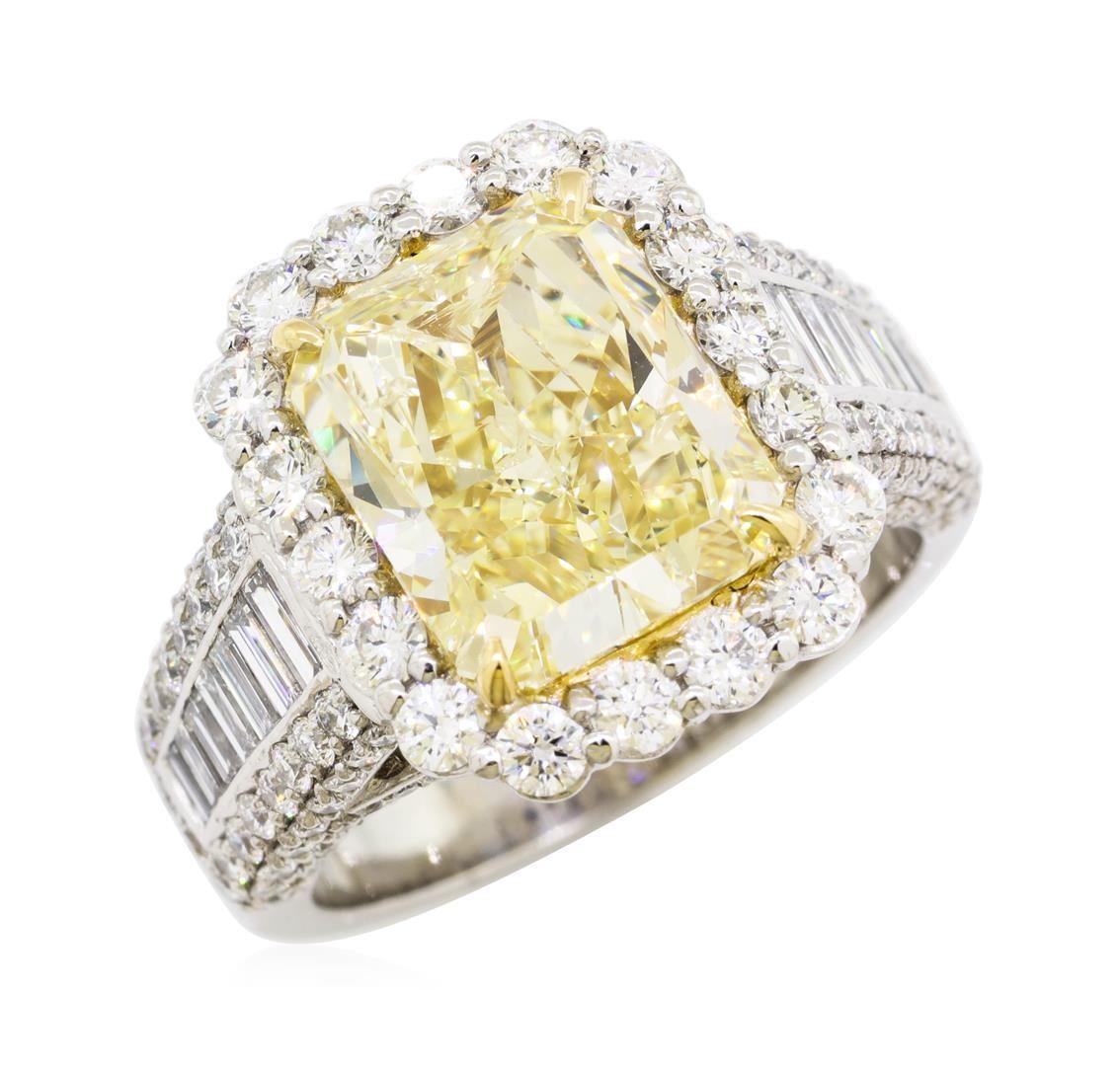 108f72fcd ... Image 5 : 5.02 ctw Center Fancy Yellow Diamond Ring - Platinum ...