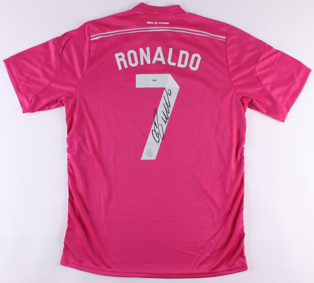 hot sales d8b2c 9888e Cristiano Ronaldo Signed Breast Cancer Awareness Real ...