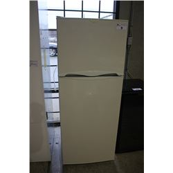WHITE FRIGIDAIRE APARTMENT SIZED FRIDGE/FREEZER