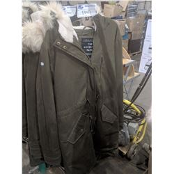 "NEW ARMY GREEN URBAN HERITAGE ""ADVENTURE PARKA"" - SMALL"