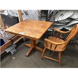 OAK DINING TABLE & CHAIR