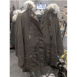 "NEW ARMY GREEN URBAN HERITAGE ""HAWTHORN PARKA"" - MEDIUM"