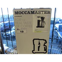 MOCCAMASTER 10-CUP COFFEE BREWER WITH THERMAL CARAFE