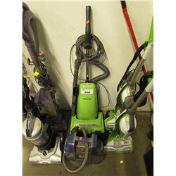 GREEN PANASONIC VAC & HOOVER SPOTLESS STEAM MACHINE