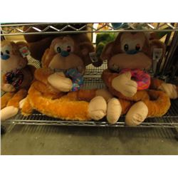 SHELF LOT OF 3 ASSORTED PLUSH STUFFIES