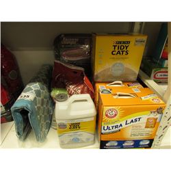 LARGE LOT OF CAT LITTER, RACEWAY LOUNGER REPLACEMENT PADS, PET BED