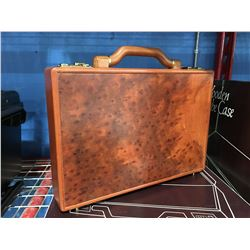 WOODEN ATTACHE / BRIEFCASE