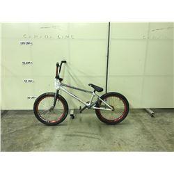 WHITE NO NAME SINGLE SPEED BMX BIKE