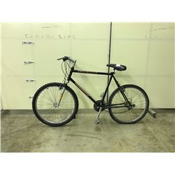 BLACK SPECIALIZED 18 SPEED FRONT SUSPENSION MOUNTAIN BIKE